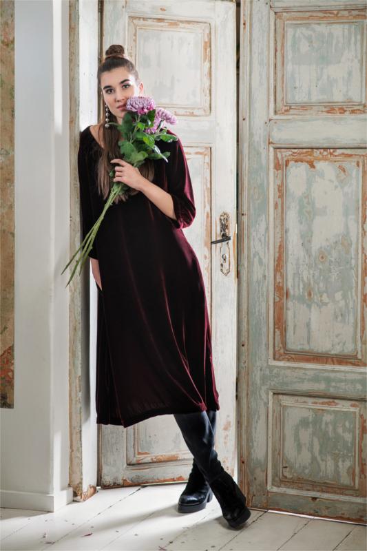 Kleid aus Seidensamt in rot der Marke Grizas