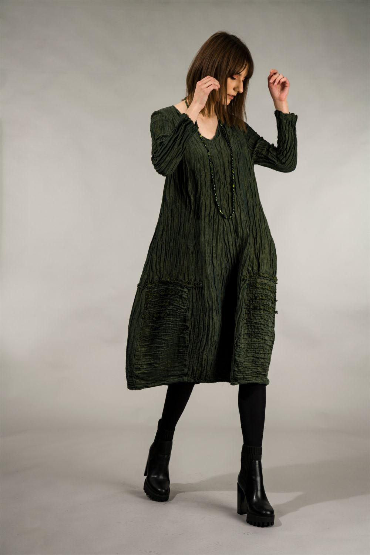 Kleid in Seide crash in der Farbe grün von der Modemarke Grizas